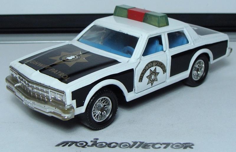 N°3008 CHEVROLET IMPALA POLICE 3008_c12