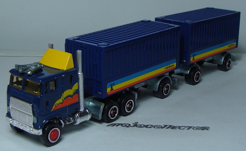 N°608 FORD CL9000 + SEMI BI-TRAIN CONTAINER (VERSION ONDULÉ)  608_fo10