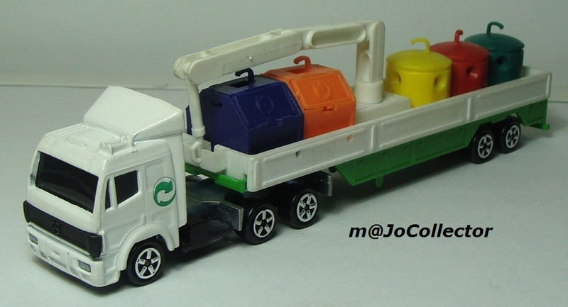 N°621 Mercedes + containers recyclage 621_me12