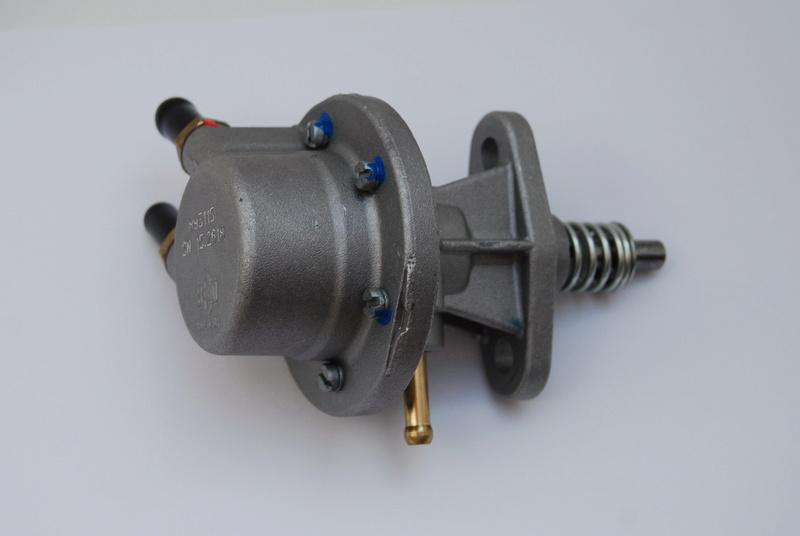 Vend carbus, pompe à essence mécanique Rotax et pompes à essence électriques Dsc_0612