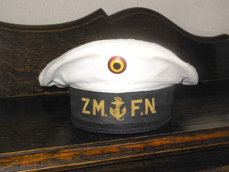 Comment conservez-vous les souvenirs de la Marine et autres? - Page 4 Dscn0123