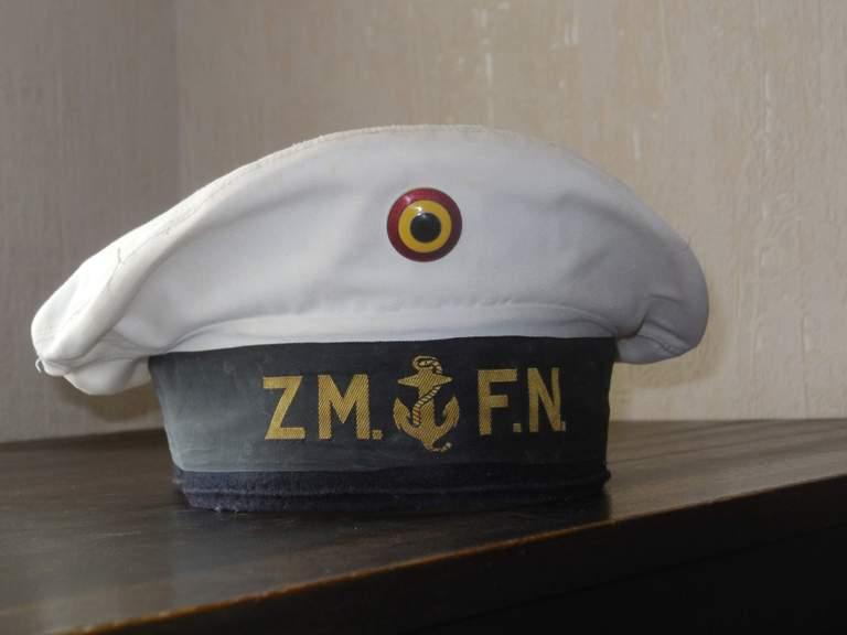 Comment conservez-vous les souvenirs de la Marine et autres? - Page 4 Dscn0124