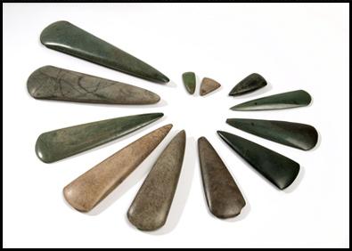 [Archéologie] Les mégalithes du Morbihan - Page 2 Hache-10