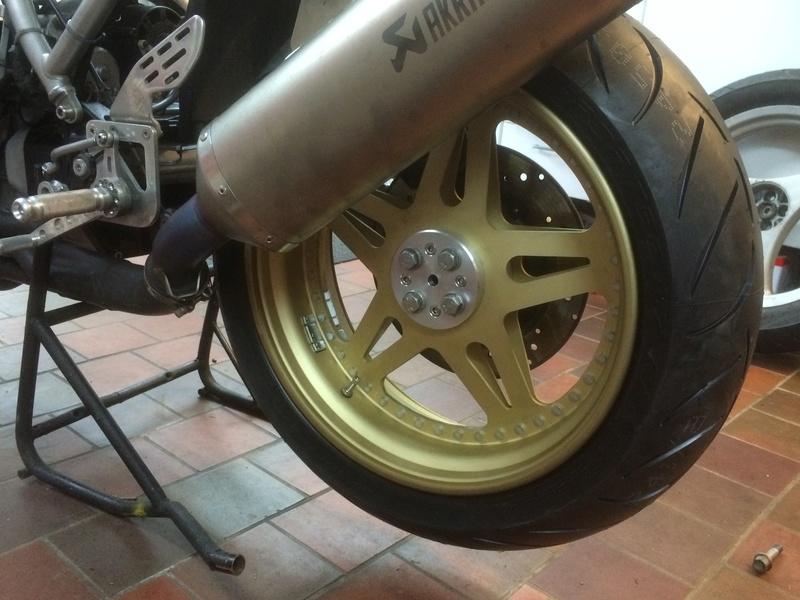 Rear wheel modification -  K1200 or K1100 on the K100? Img_2711