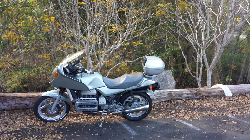 85 K100RS: what does it look and ride like with lower side fairing panels removed? 20170823