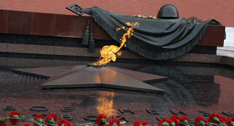 Les montres soviétiques commémoratives de la victoire  Fl10