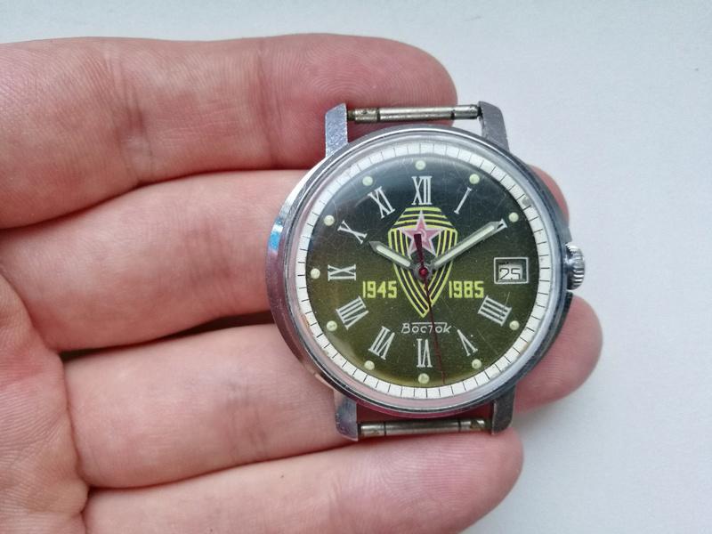 Les montres soviétiques commémoratives de la victoire  Vostok13