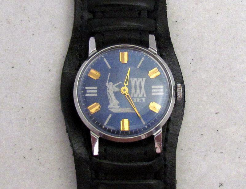 Les montres soviétiques commémoratives de la victoire  Zim19710
