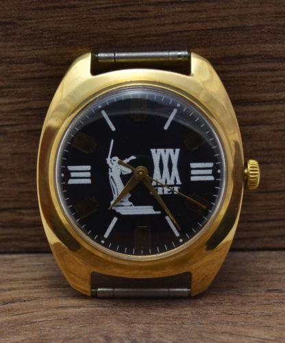 Les montres soviétiques commémoratives de la victoire  Zim3010