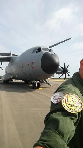 parcours d'un mec nav de l'armée de l'air aux US! 17757610