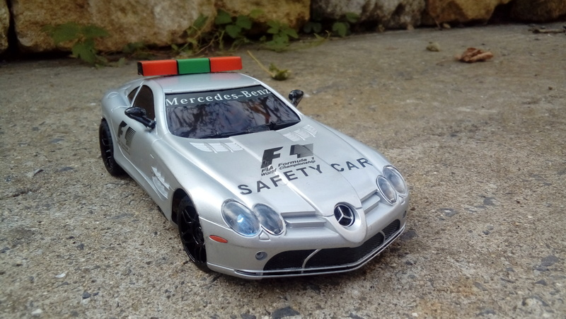 Mercedes safety car F1 20170821