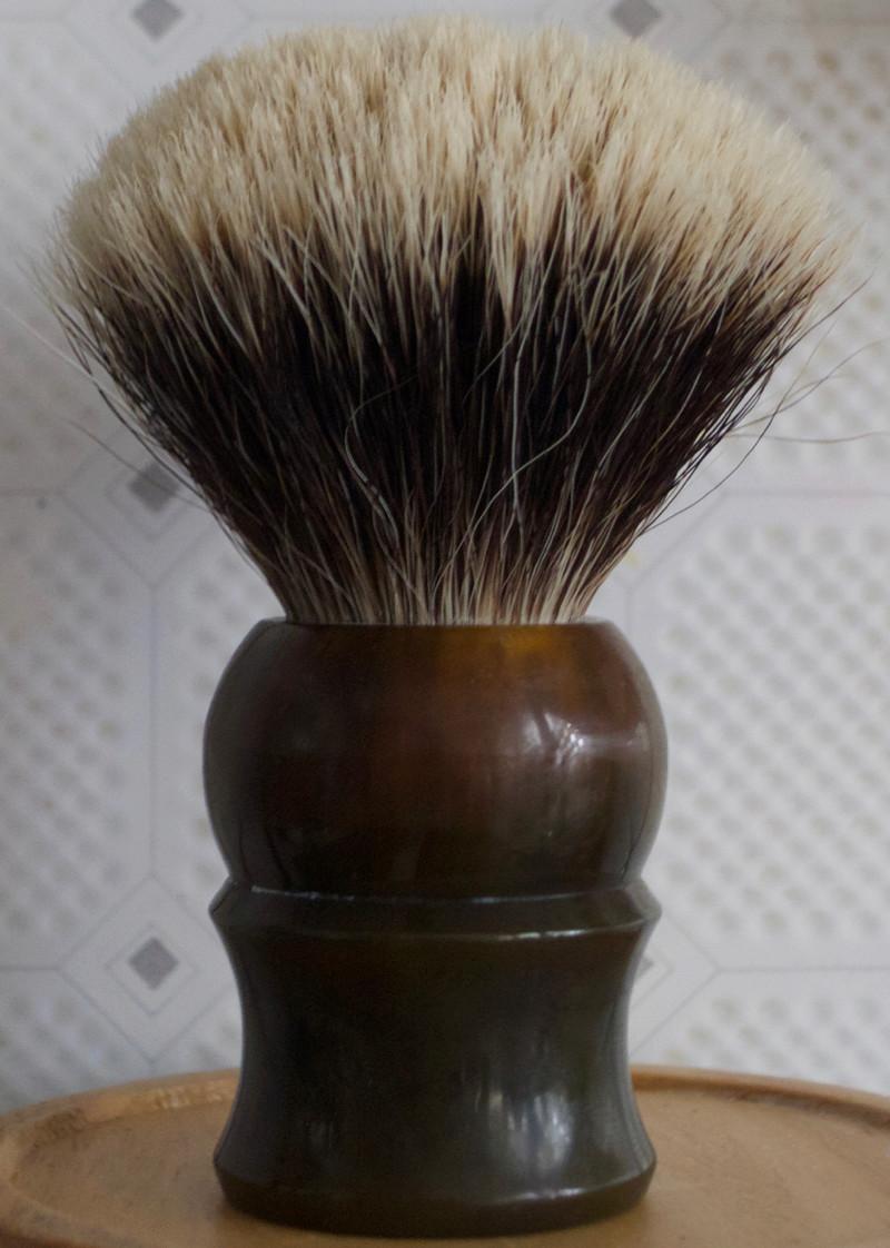Qui serait partant pour un blaireau  shavemac  ? - Page 3 P1080111
