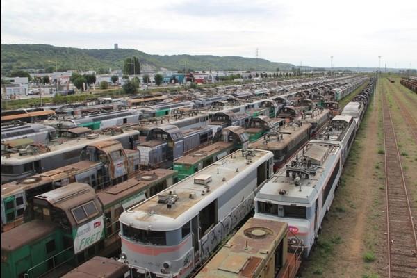 Comment la SNCF saborde pour près d'un milliard d'euros de matériel tractant  Ac34