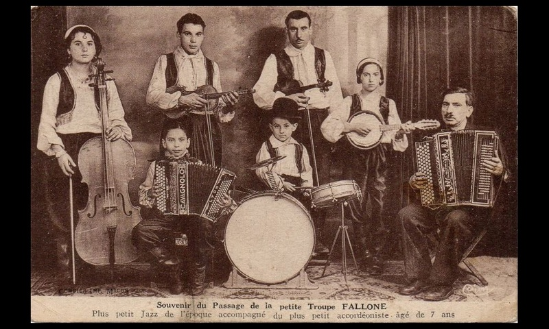 Un jazz-band de chimpanzés (1923) Ac66