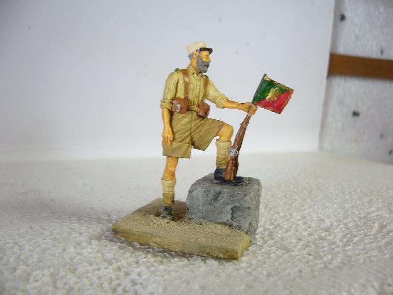 Légionnaire Bir Hakeim 1942, Warriors 1/35 - Huiles et acryliques - Page 2 P1040331