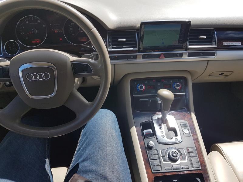 mon autre v8 Audi_a12