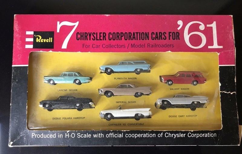 Revell - ho Mopar Car plastic 1961 - 7 Chrysler Corporation cars for '61 - Model railroaders 115