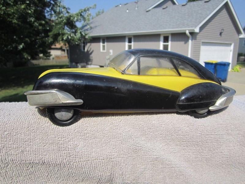 Art Deco futuristic plastic car toy 1313