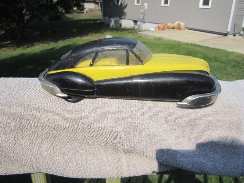 Art Deco futuristic plastic car toy 1513