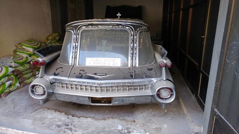 Incroyable Cadillac 1959 corbillard trouvée en Grece - Amazing 1959 Cadillac Hearse recently uncovered in Greece 1959_c11