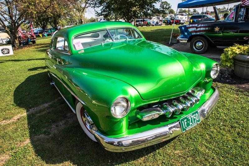 Mercury 1949 - 51  custom & mild custom galerie - Page 32 22042210