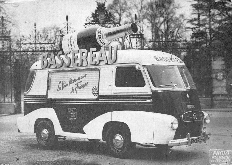 Les véhicules de la Caravane du Tour de France 1950's & 1960's - Page 4 375_0010