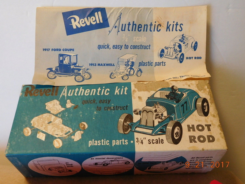 Revell - Authentic Kit - Hot Rod - Quick easy to construct - plastic parts .3/4¨ scale - Hot rod - h59 7810