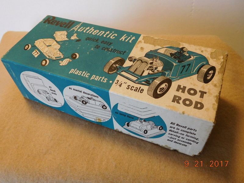 Revell - Authentic Kit - Hot Rod - Quick easy to construct - plastic parts .3/4¨ scale - Hot rod - h59 8110