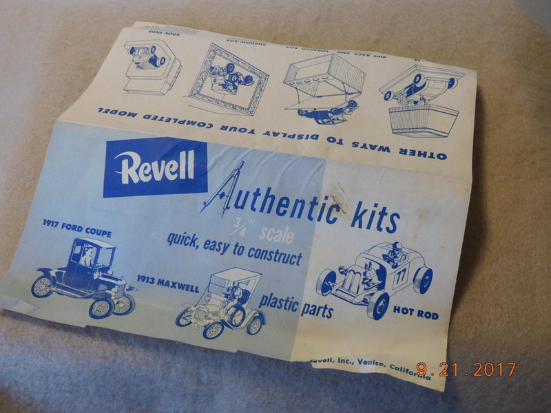Revell - Authentic Kit - Hot Rod - Quick easy to construct - plastic parts .3/4¨ scale - Hot rod - h59 8510