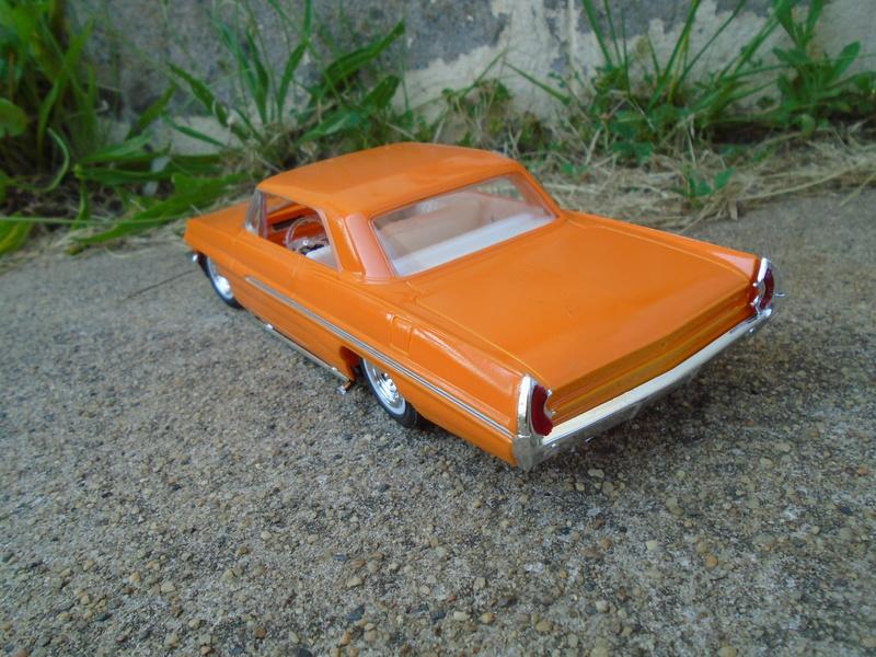 1962 Pontiac Bonneville custom - amt - 1/25 scale Dsc07416
