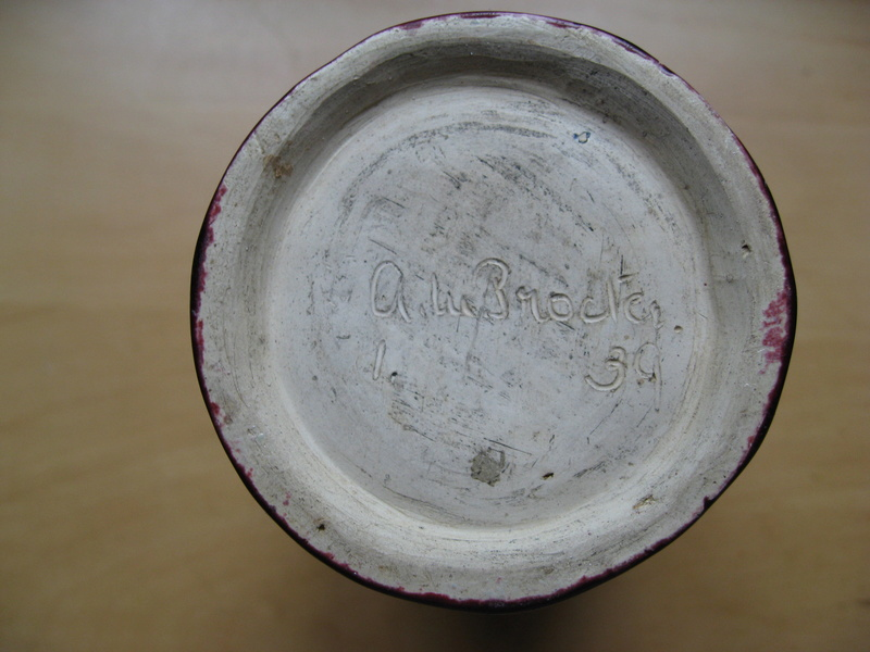 Art Pottery vase Img_2627