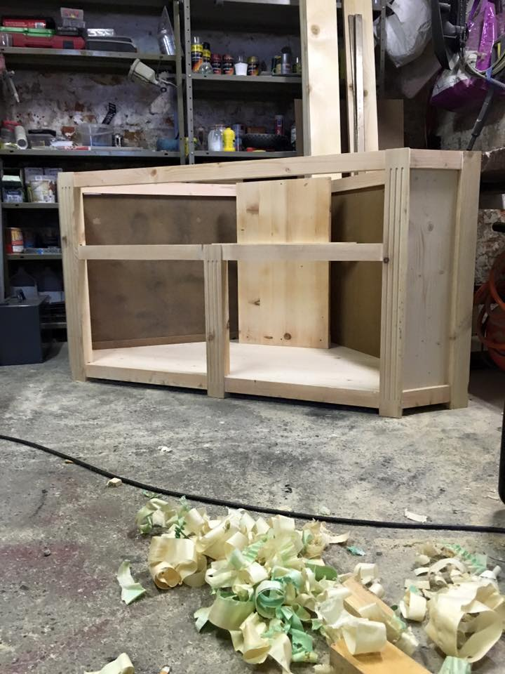 réalisation meuble tv en coin 5_310