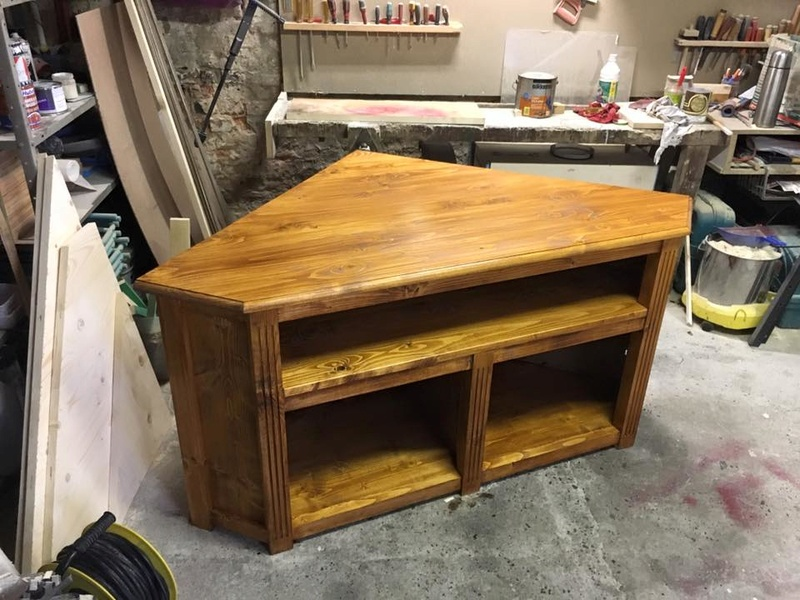 réalisation meuble tv en coin 6_410
