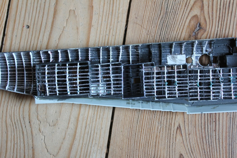 "[revell] BV-222 ""Wiking"" the flying boat au 1/72 - Page 2 Img_1011"