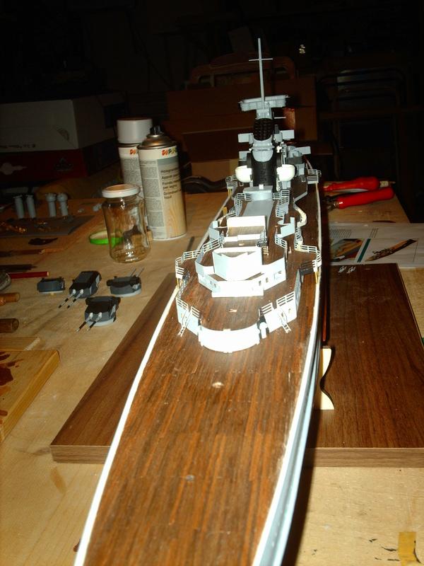 Fertig - Prinz Eugen 1:200 von Hachette gebaut von Maat Tom - Seite 9 15010