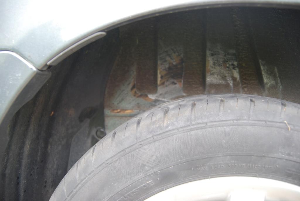 Grincements train arrière Peugeot 206 1.4 essence Dsc_0011