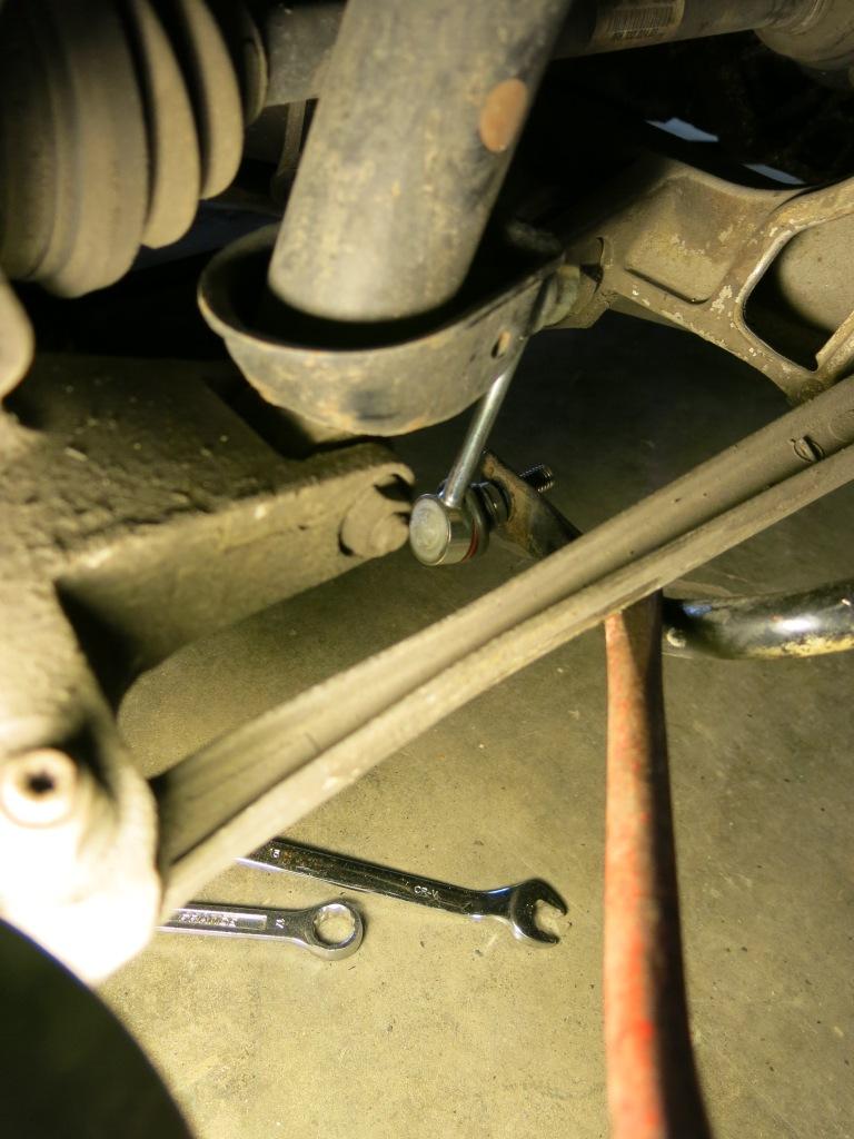 Remplacement des biellettes de barres stabilisatrices AV et AR, sur 996 1513