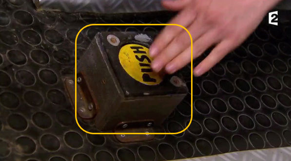 "OBJET 097 / Les boutons ""push"" Bouton12"