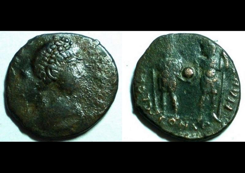 ID Theodose ii - Constantinople RIC. 410 410con11
