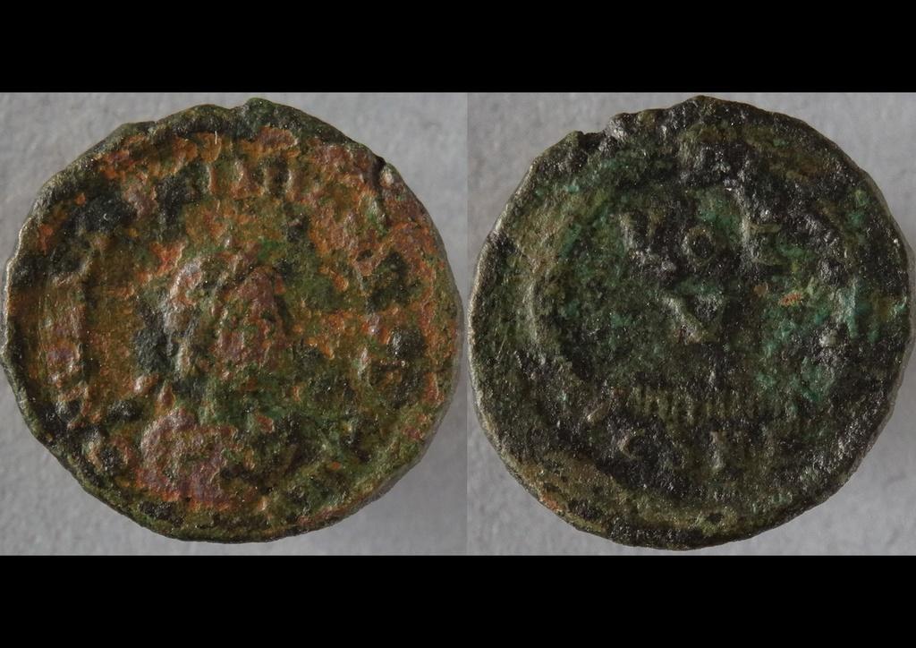 ID Ae4 Valentinien ii - Constantinople RIC. 62 a Con6210