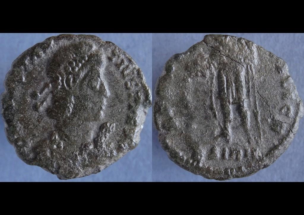 Constance ii - buste exceptionnel (pour rire) Sirmiu11
