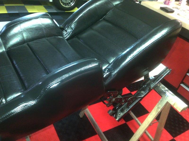 Recherche tuto renovation cuir sièges R25 Couber10