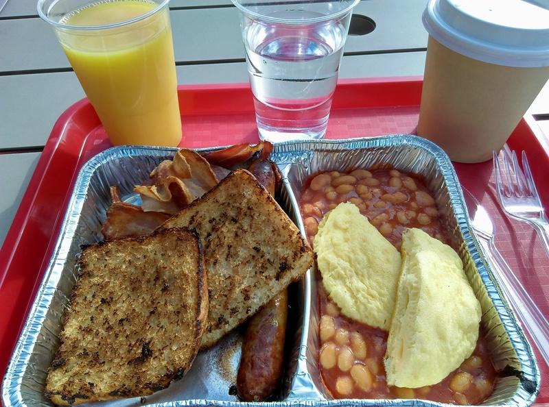 Et donc maintenant, où prenez-vous les petits-déjeuners ? - Page 2 19800610