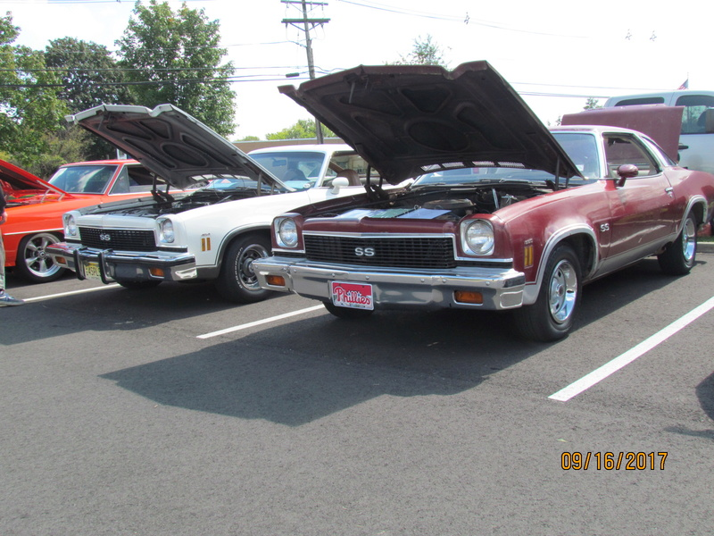 a Pair of Oshawa built 73 SS Chevelle 4 speeds side by side at show today! Img_2019