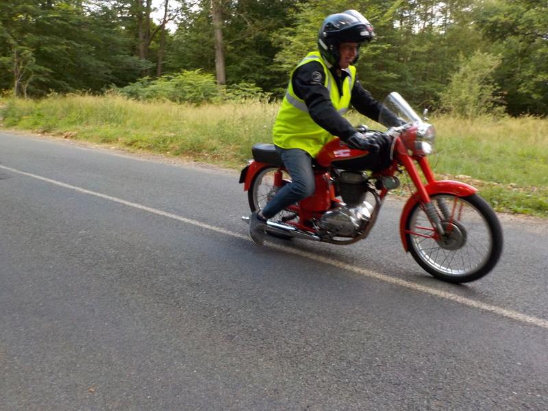 Balade motos à courroies 24 juin Dscn1259