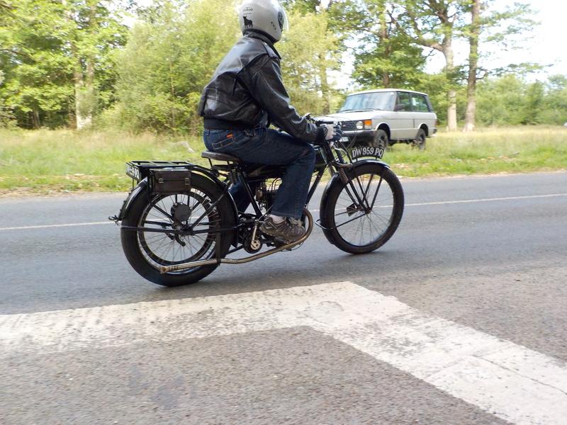 Balade motos à courroies 24 juin Dscn1261