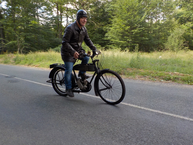 Balade motos à courroies 24 juin Dscn1263