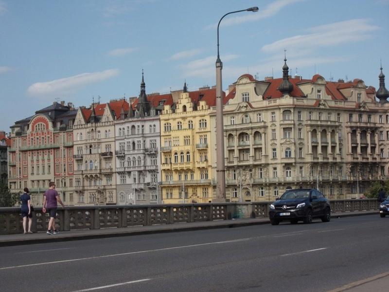 un petit tour vers l'EST Prague18