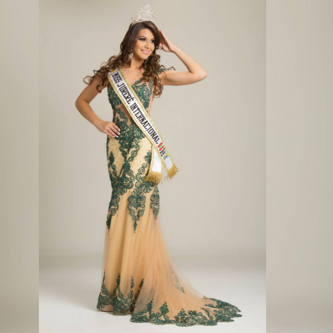 carolina schuler, 3rd runner-up de miss asia pacific international 2019/miss brasil universitaria 2017. 20686910