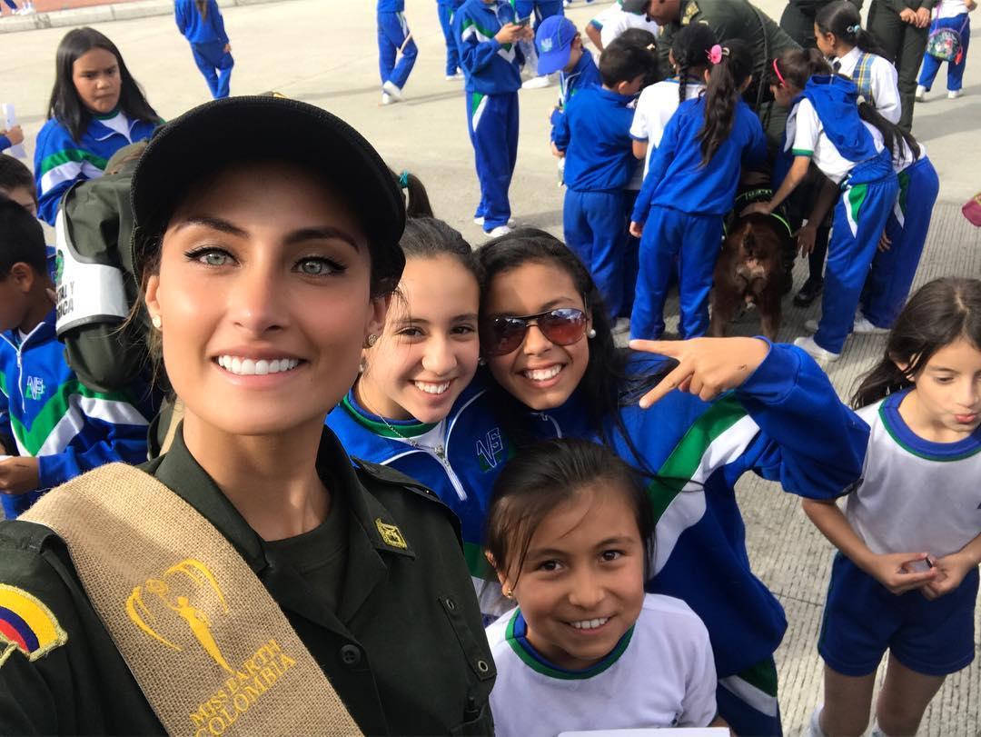 juliana franco, top 16 de miss colombia universo 2020/miss earth water 2017. 21107811